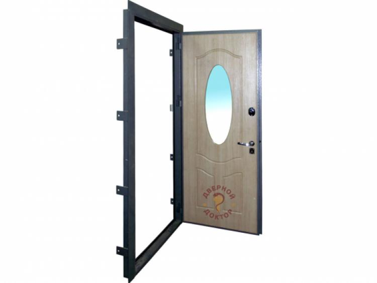 Металлическая дверь с круглым зеркалом изнутри