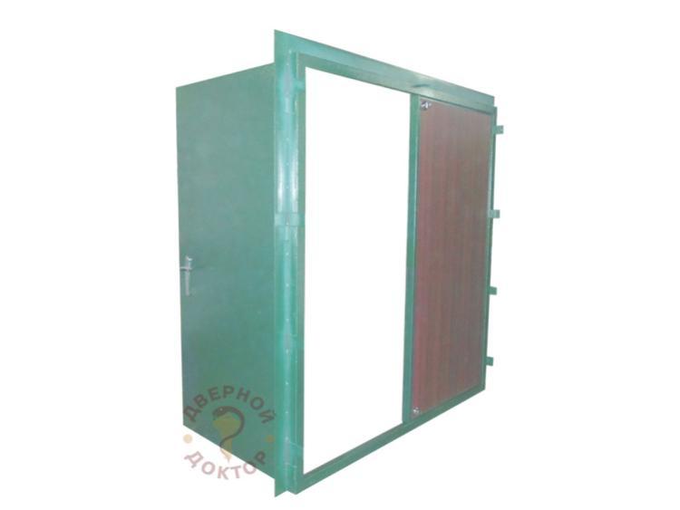 Двехстворчатая металлическая дверь
